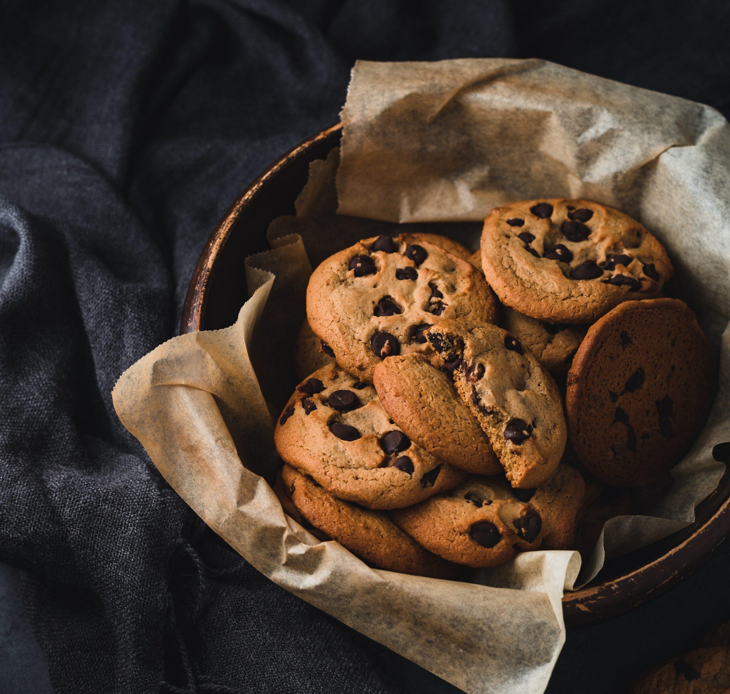 Chocolate chip cookies Amerikaans in een trommeltje